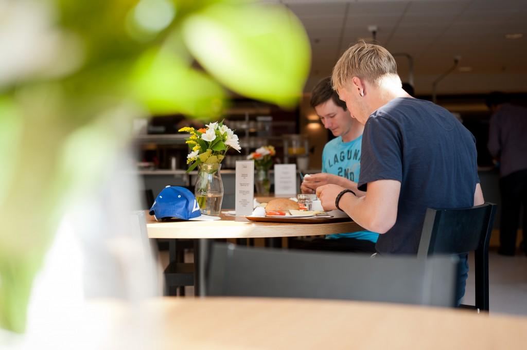 hostel_aamiainen_041